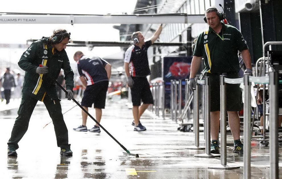 2734 За кулисами Гран При Австралии 2012: фоторепортаж