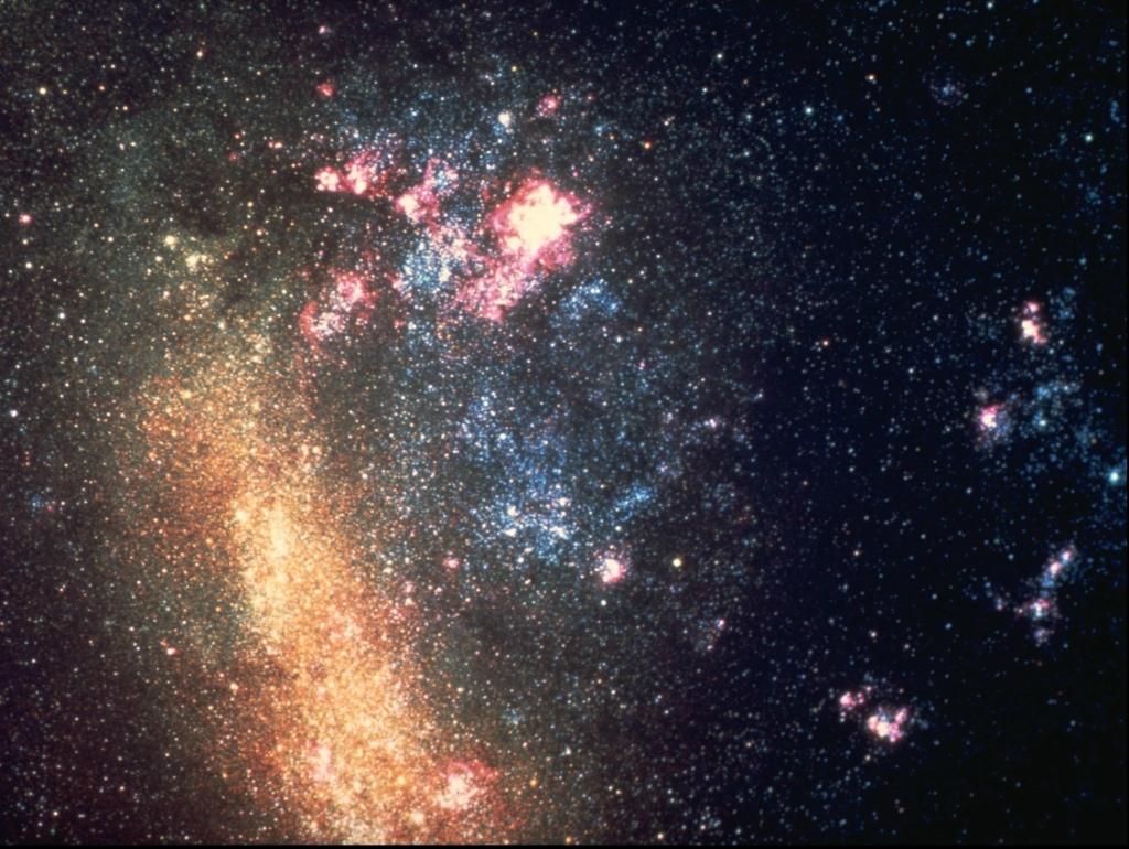 2943 Большое фотопутешествие в космос с телескопом Хаббл
