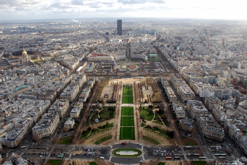 3020 Как выглядит Париж с Эйфелевой башни?