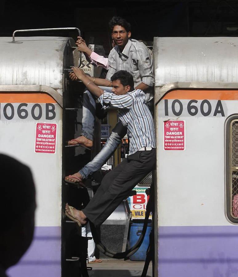 3132 Индийская железная дорога   перегруженный гигант в действии