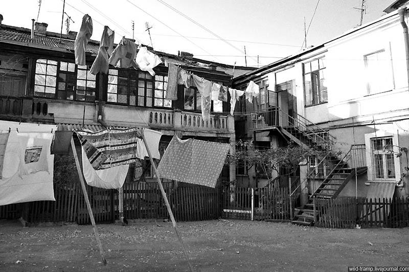 3137 Черно белое закулисье одесских дворов