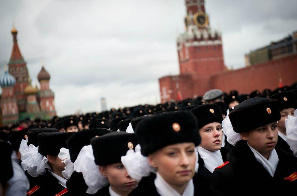 Солдаты с косичками из Московского пансиона №9