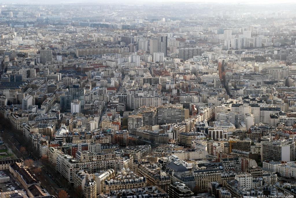 3222 Как выглядит Париж с Эйфелевой башни?