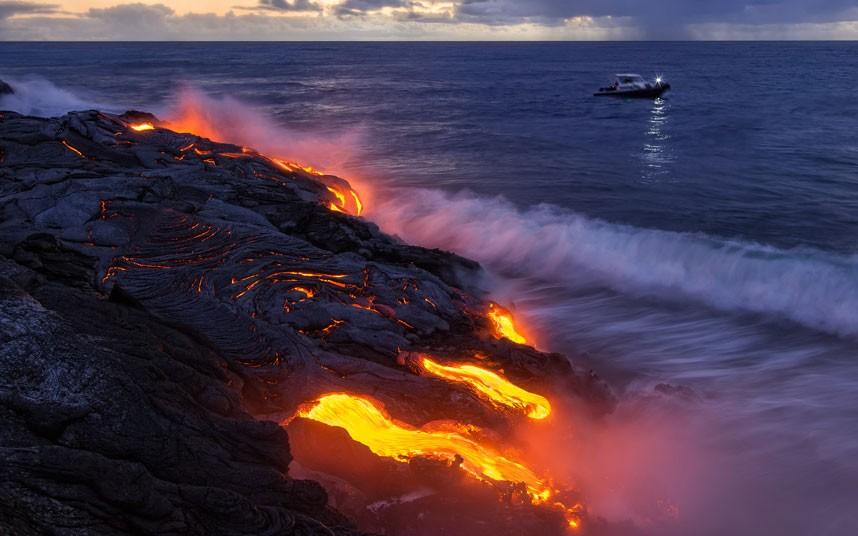 3252 Любитель лавы – фотограф вопасной близости отвулкана наГавайях