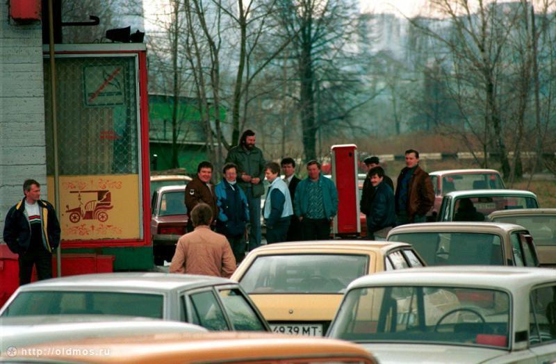 3412 История московской очереди в фотографиях