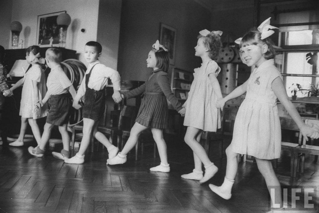 36fd402647a0 Жизнь советского детского сада в 1960 году глазами фотографа Life