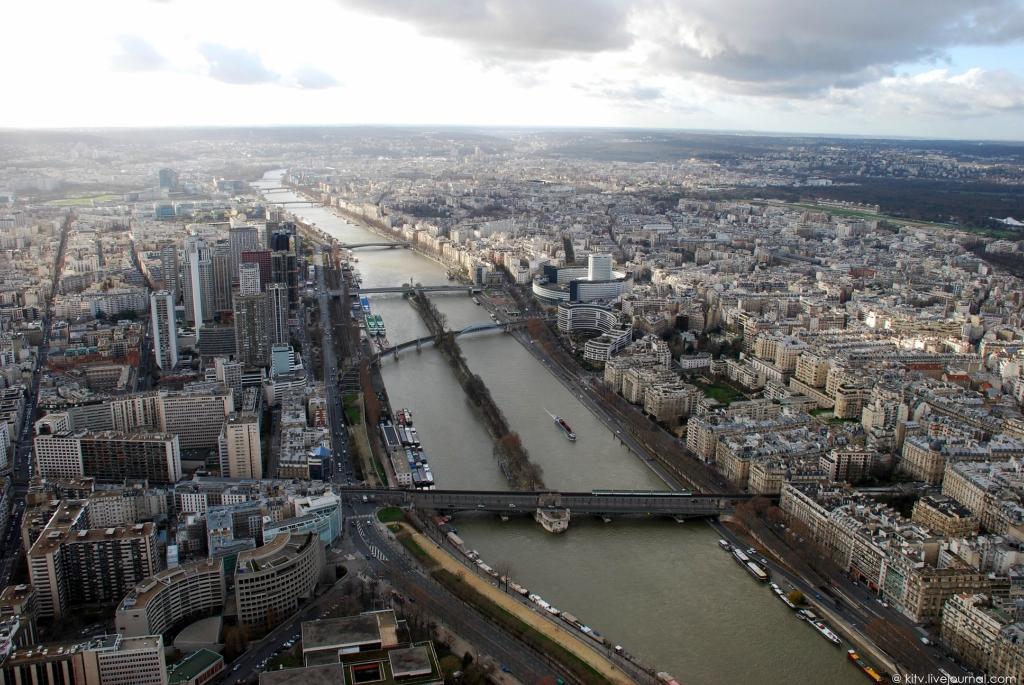 3716 Как выглядит Париж с Эйфелевой башни?