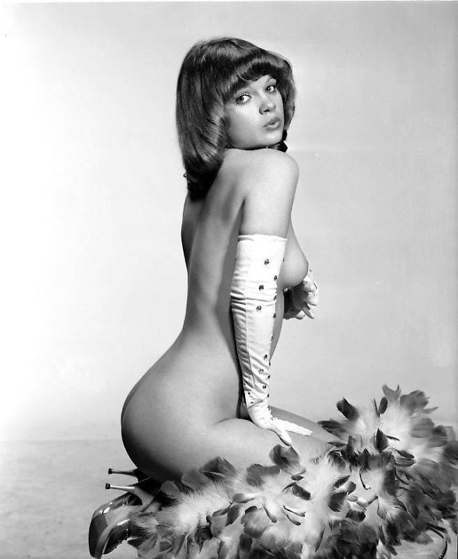 erotika-aktris-sovetskih