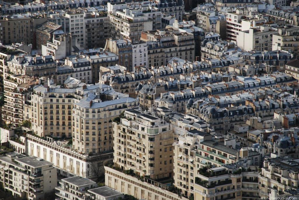 408 Как выглядит Париж с Эйфелевой башни?