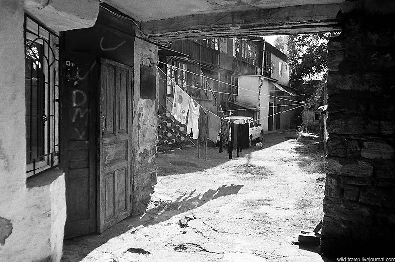 4106 Черно белое закулисье одесских дворов