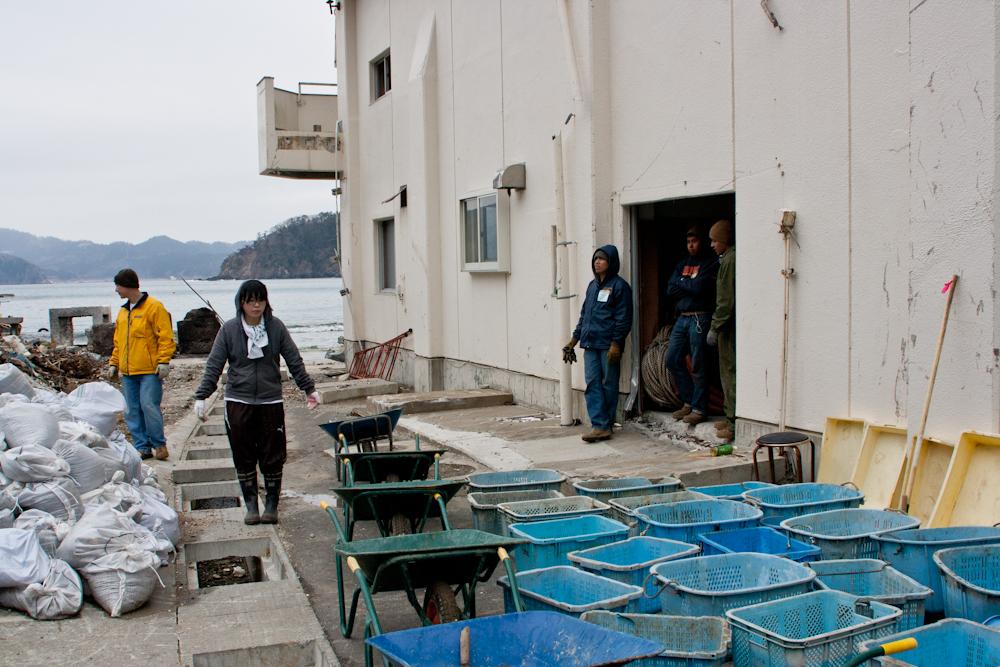 4214 Япония в зоне бедствия   волонтерские приключения