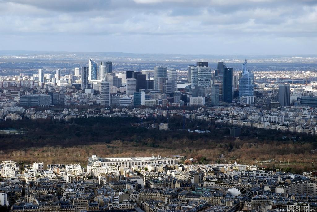 4315 Как выглядит Париж с Эйфелевой башни?