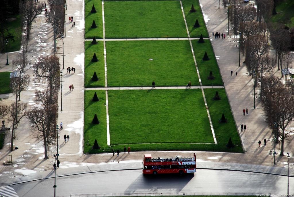 5108 Как выглядит Париж с Эйфелевой башни?