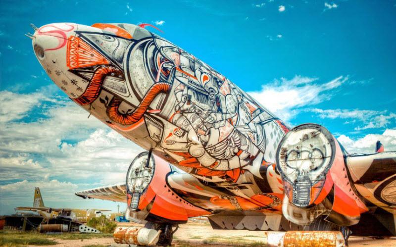 595 Проект Boneyard – уличные художники расписали граффити списанные военные самолеты