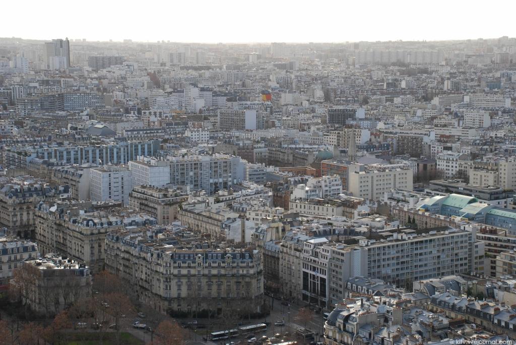 6108 Как выглядит Париж с Эйфелевой башни?
