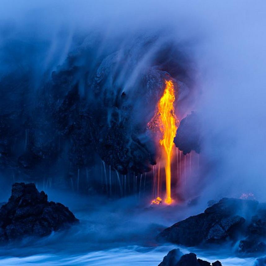6185 Любитель лавы – фотограф вопасной близости отвулкана наГавайях