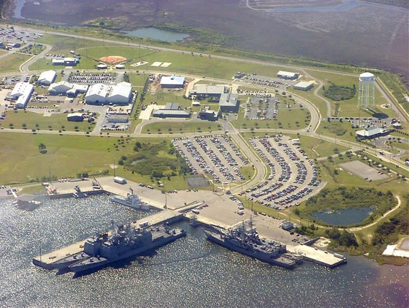 636 16 баз ВВС и флота США