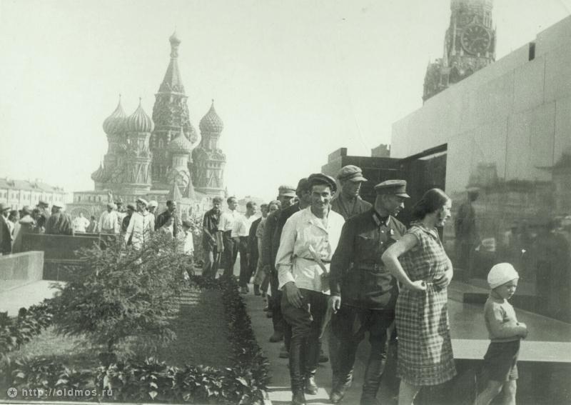 665 История московской очереди в фотографиях