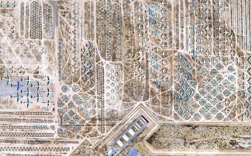 695 Проект Boneyard – уличные художники расписали граффити списанные военные самолеты