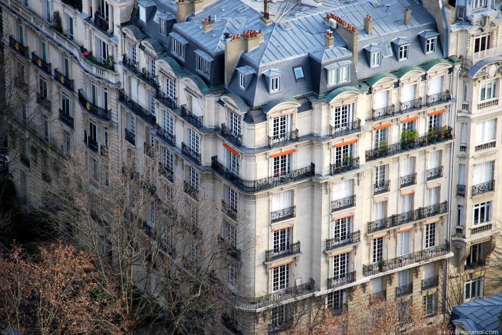 7106 Как выглядит Париж с Эйфелевой башни?