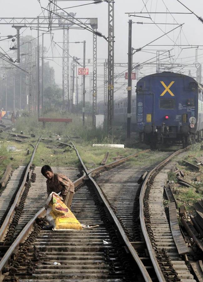 790 Индийская железная дорога   перегруженный гигант в действии