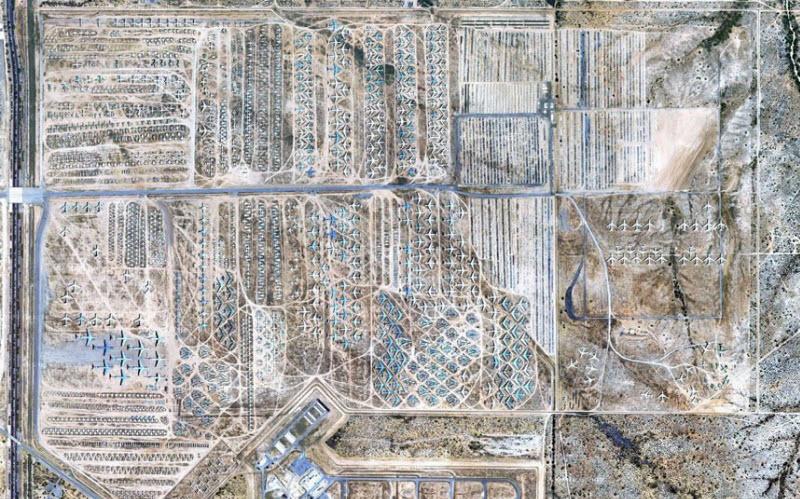 793 Проект Boneyard – уличные художники расписали граффити списанные военные самолеты