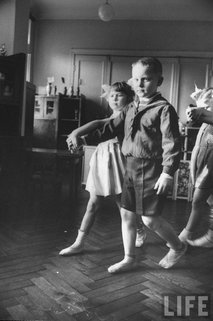 7c3ce6ec2a89 Жизнь советского детского сада в 1960 году глазами фотографа Life