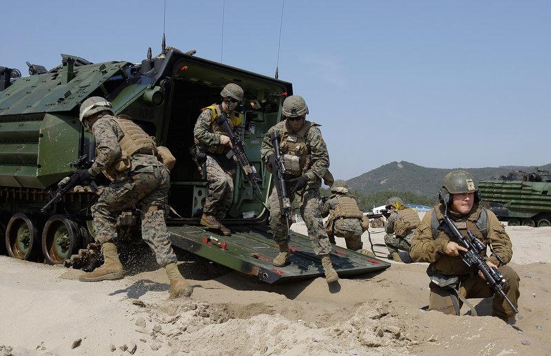 8174 Совместные учения южнокорейских и американских морпехов