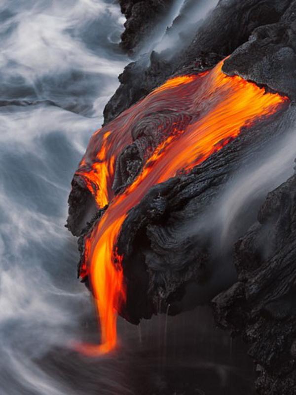 9165 Любитель лавы – фотограф вопасной близости отвулкана наГавайях