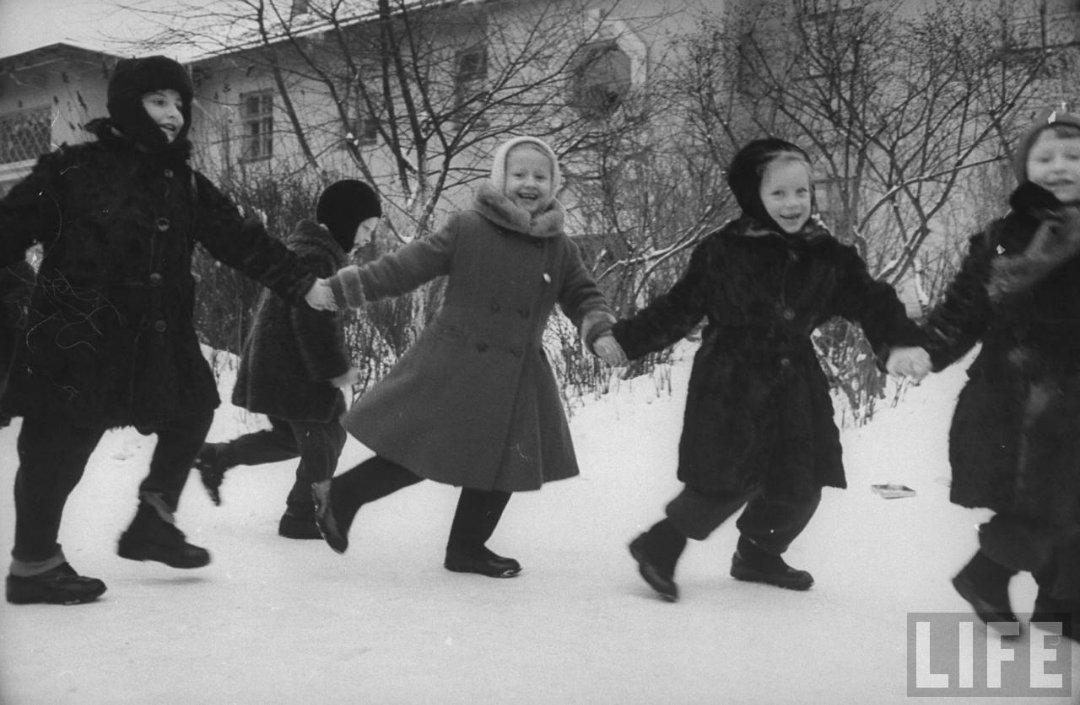9805699a1cee Жизнь советского детского сада в 1960 году глазами фотографа Life