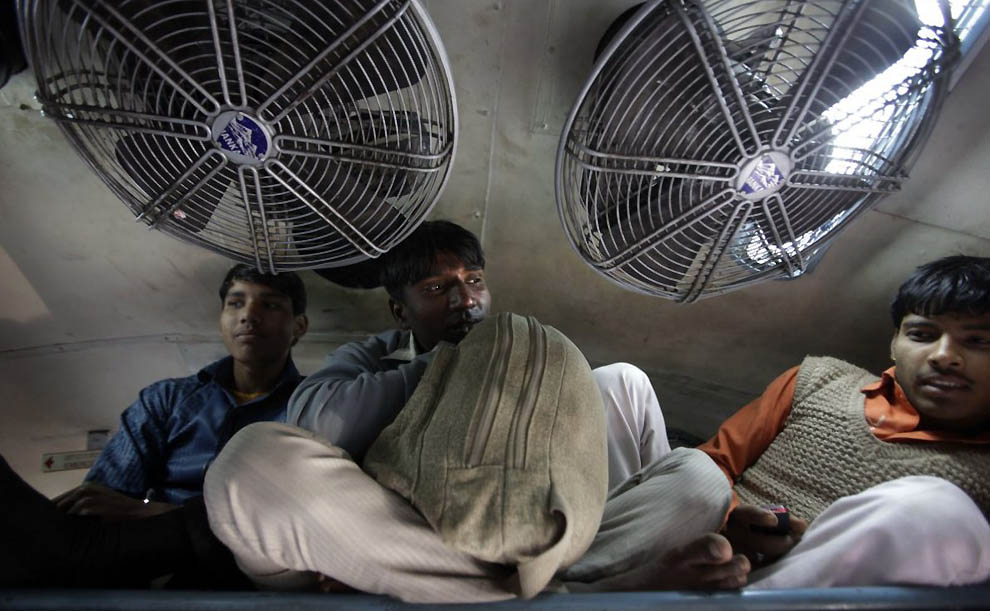 983 Индийская железная дорога   перегруженный гигант в действии