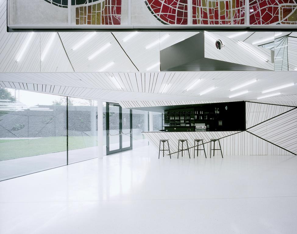 BIGPIC82 Религия может быть стильной: в Австрии построили футуристическую церковь