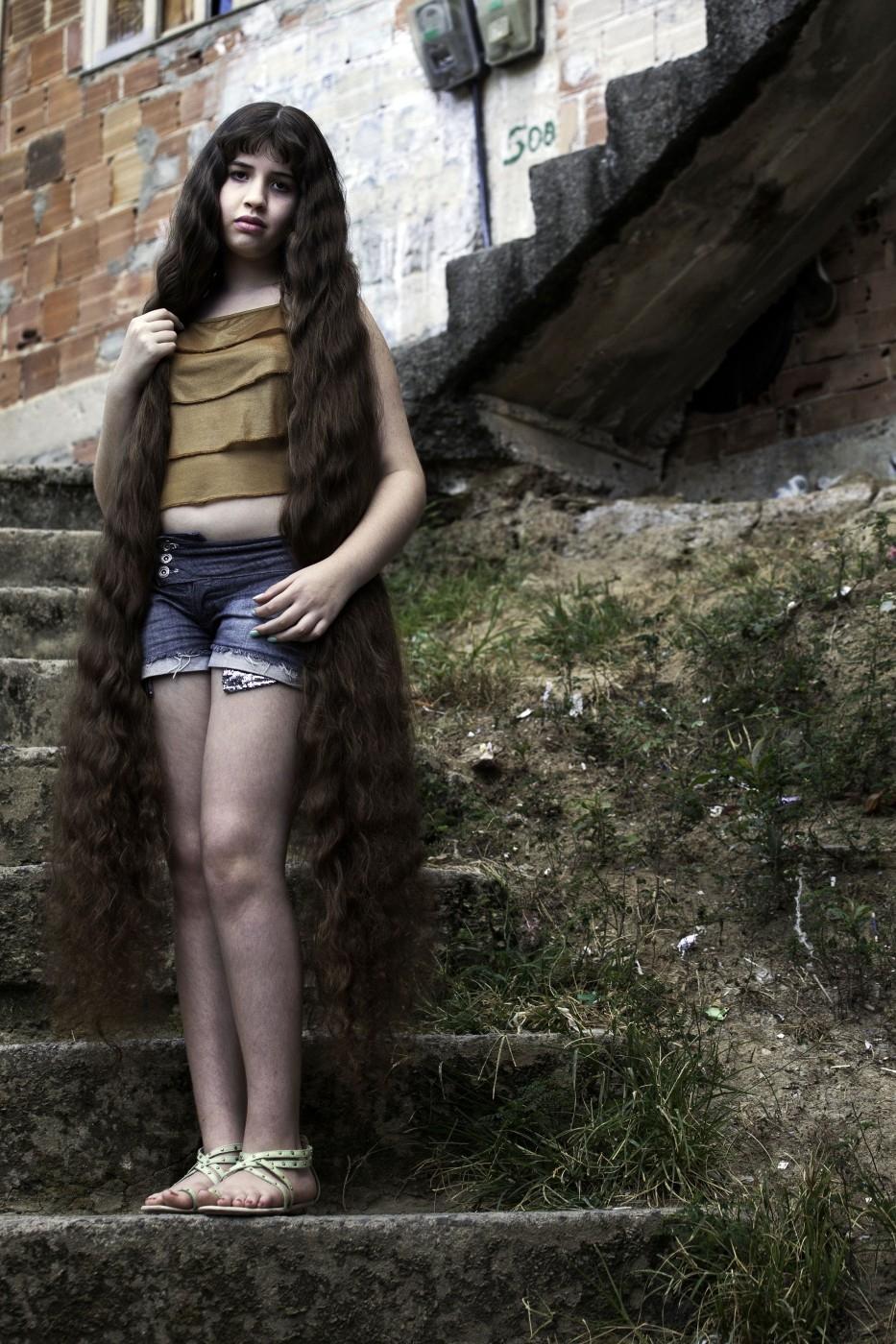 Brazil 3 12 летняя Рапунцель из Бразилии продаст косу, чтобы сделать ремонт в квартире
