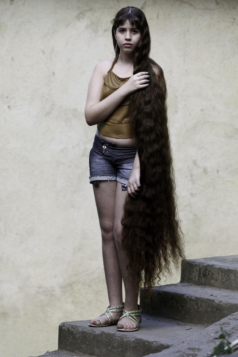 Brazil 4 12 летняя Рапунцель из Бразилии продаст косу, чтобы сделать ремонт в квартире