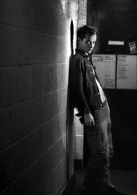 actors23 Редкие снимки актеров из книги The Half: за 30 минут до выхода на сцену
