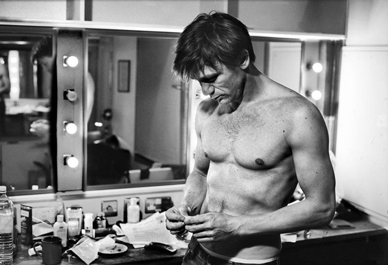actors25 Редкие снимки актеров из книги The Half: за 30 минут до выхода на сцену