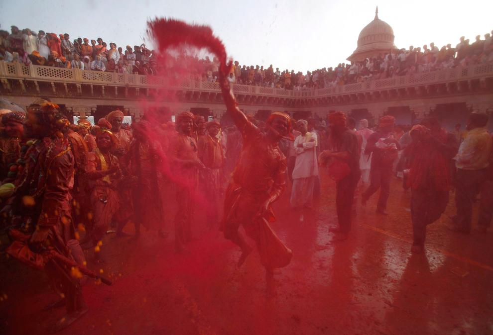 bp171 Фестиваль красок Латхмар Холи в Индии