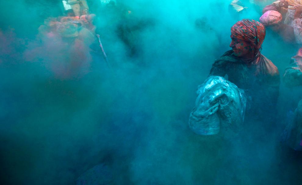 bp181 Фестиваль красок Латхмар Холи в Индии