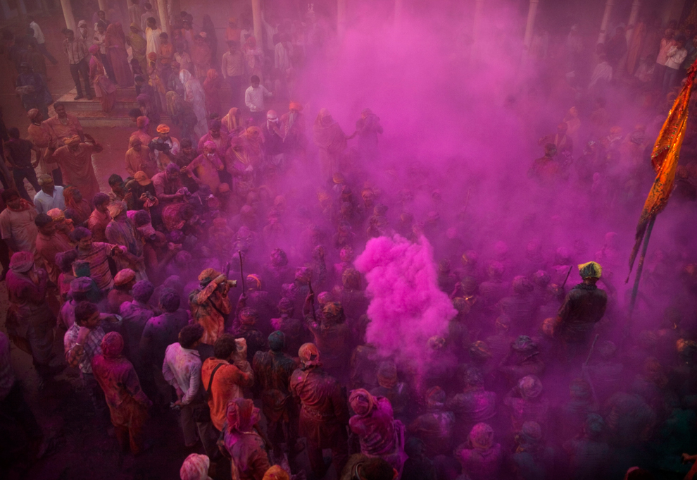 bp191 Фестиваль красок Латхмар Холи в Индии