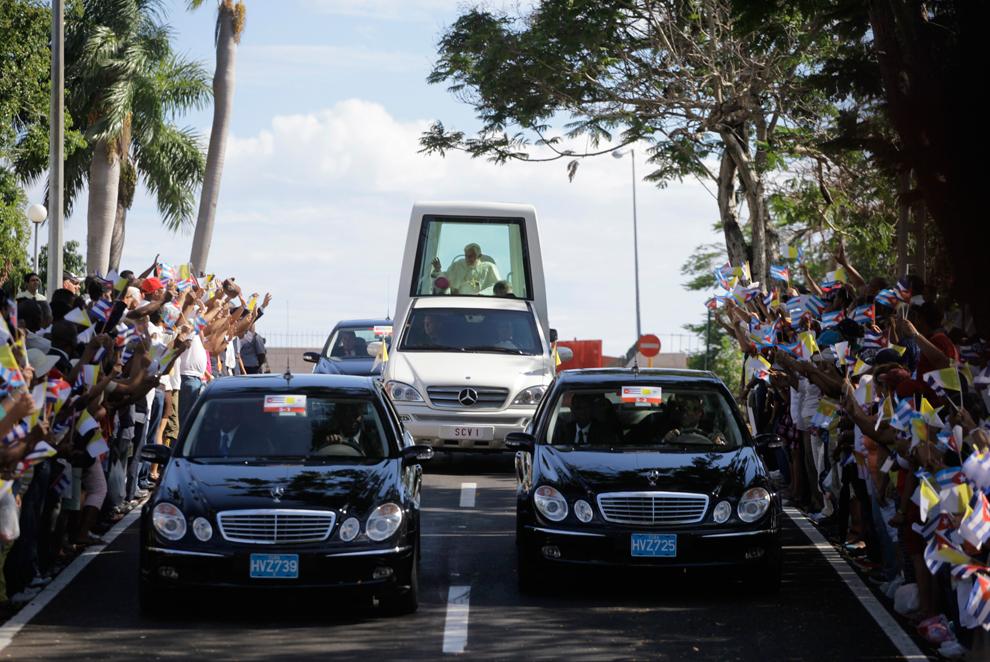 bp225 Папа Бенедикт XVI приехал на Кубу