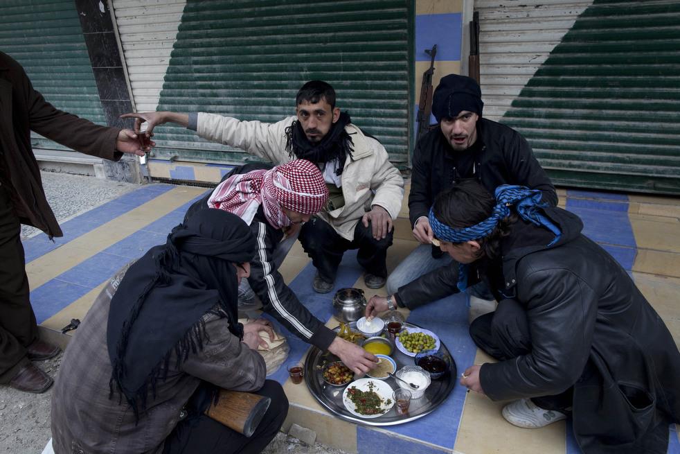 fleeing syria 02 Гражданская война в Сирии