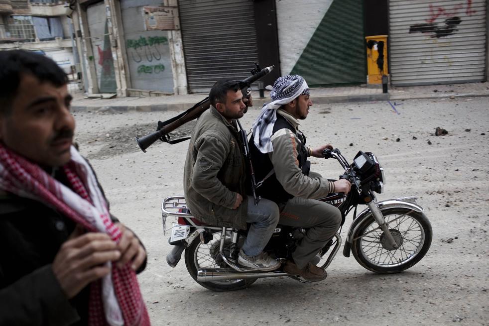 fleeing syria 04 Гражданская война в Сирии