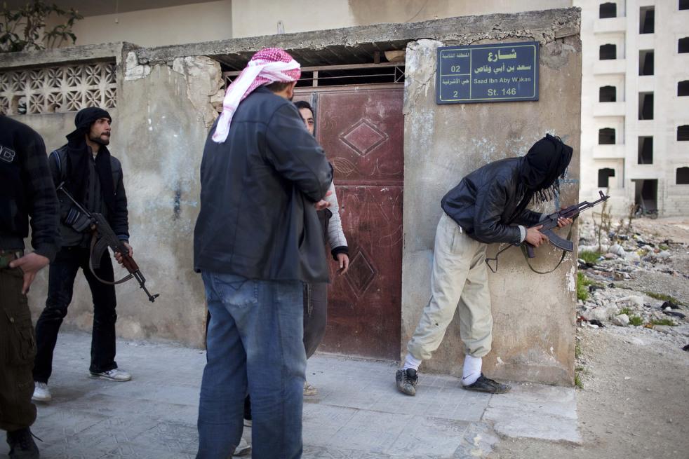 fleeing syria 06 Гражданская война в Сирии
