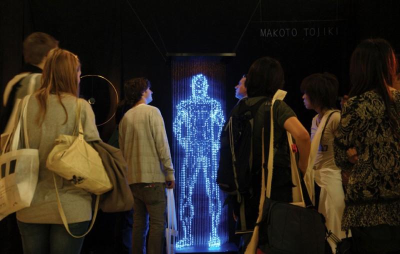 Призрачные скульптуры из светодиодов от Макото Тожики