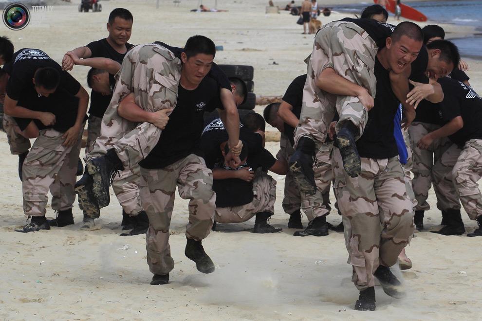 pic 0102 Как готовят телохранителей в Китае