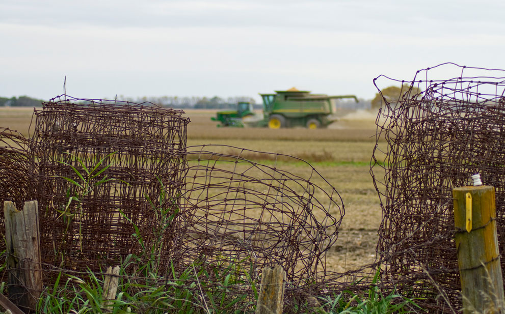 http://bigpicture.ru/wp-content/uploads/2012/03/s_a31_SoybeanHarvest.jpg