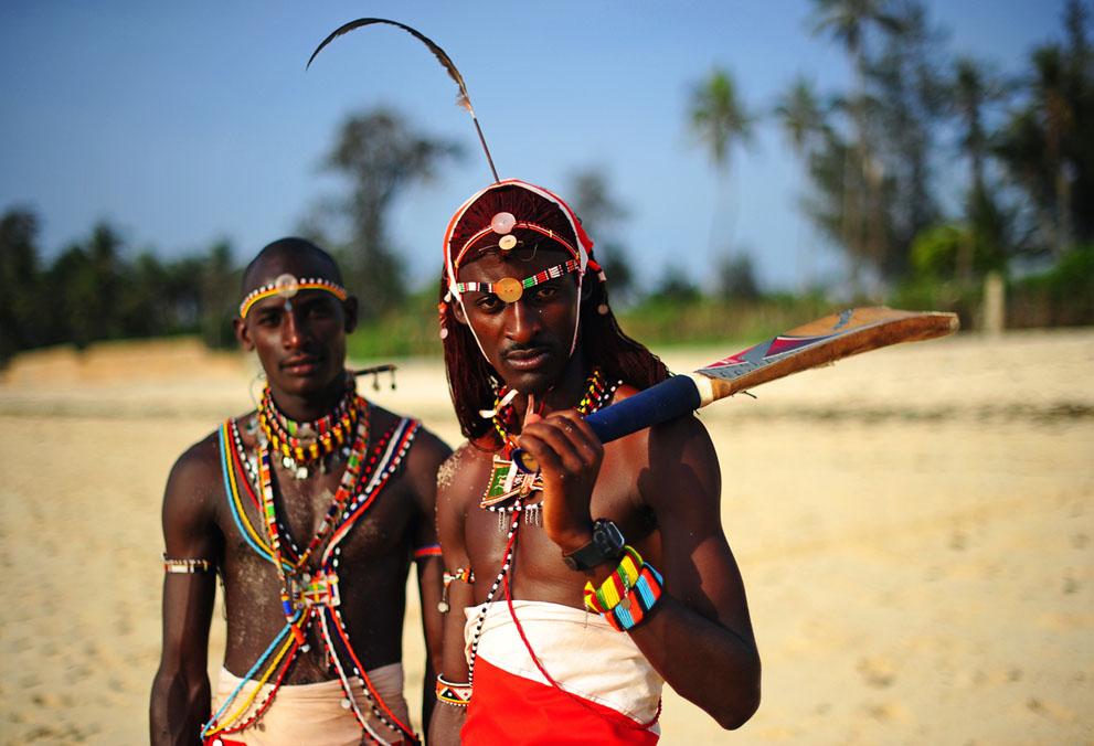 s m02 41015648 Команда по крикету из племени масаи