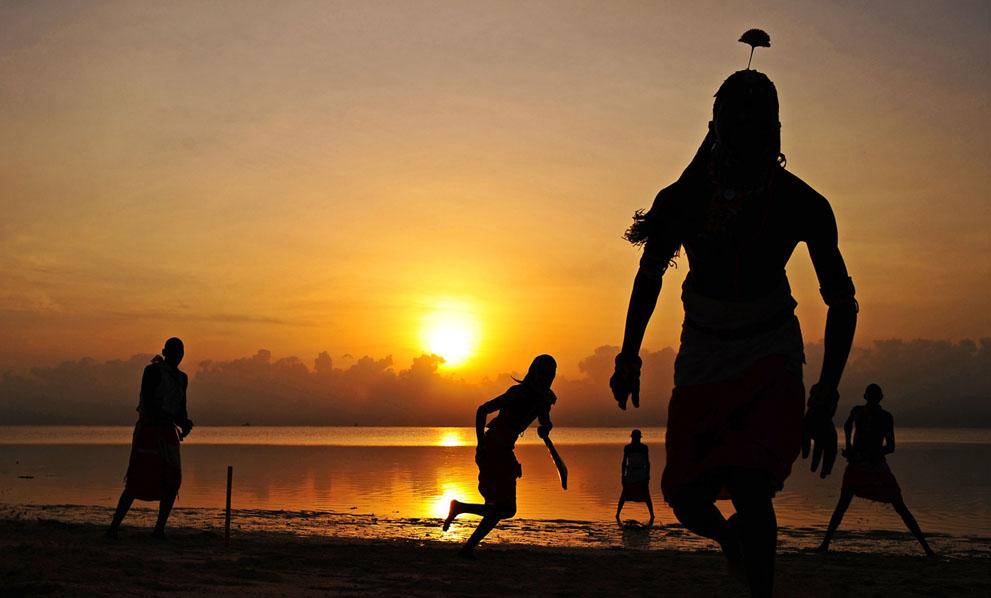 s m05 40839710 Команда по крикету из племени масаи
