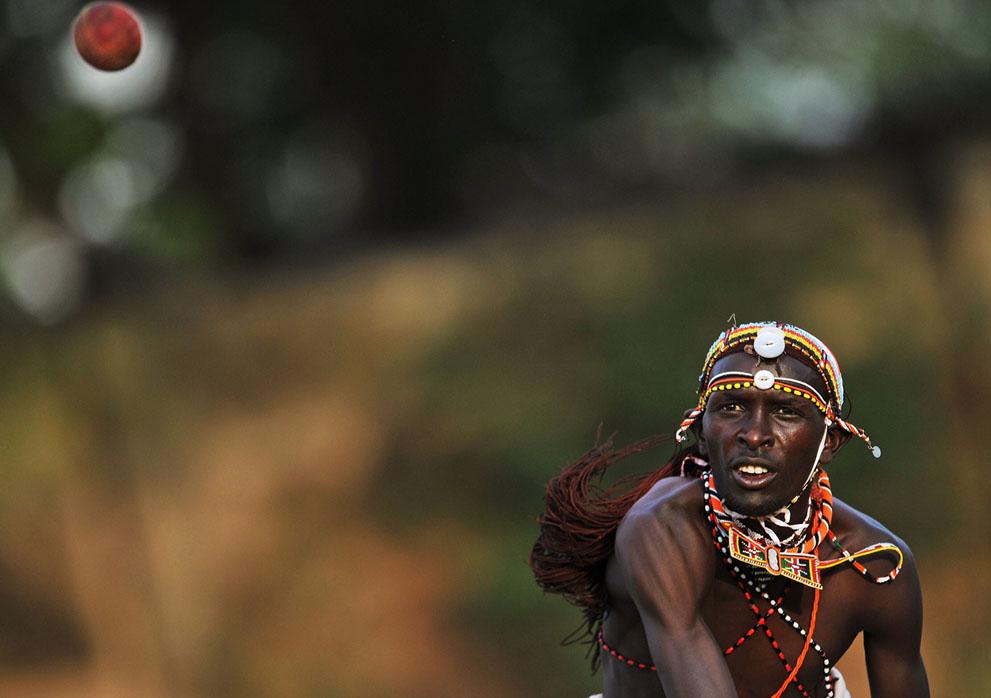s m08 40839769 Команда по крикету из племени масаи
