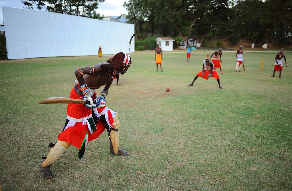s m09 40839839 Команда по крикету из племени масаи